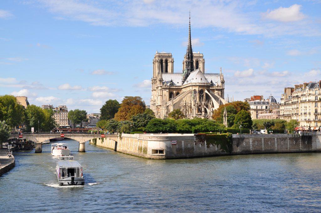 Notre-Dame de Paris, Quartier latin